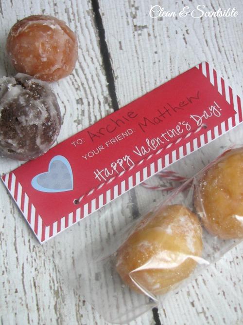 "I like you a ""hole"" lot - Valentine's Day treat idea with free printable."