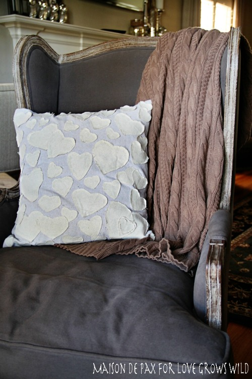 Antrho-inspired Heart Pillow.  Lots of other Valentine's Day ideas too!