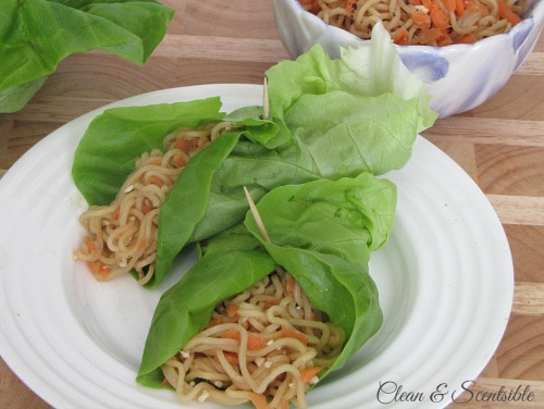 These quick and easy Asian lettuce wraps are made in less than 15 minutes and so tasty!