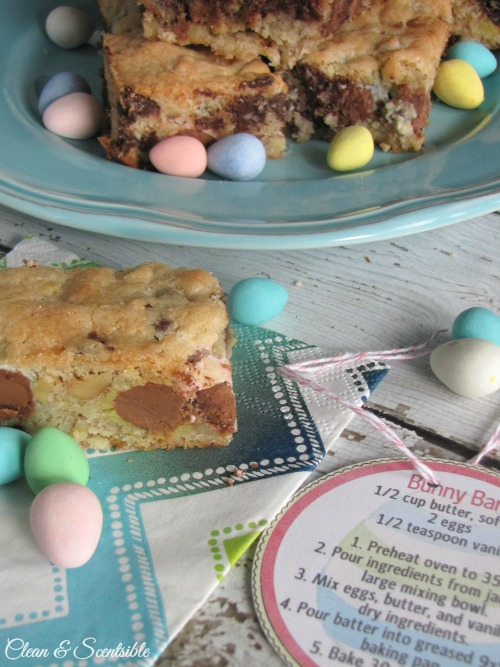 Recipe for Mini-Egg Dessert Bars and cute Easter gift idea.  Free printables included.