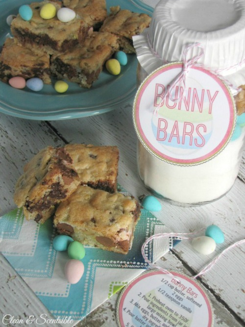 Recipe for Mini-Egg Dessert Bars and cute Easter gift idea!  Free printables included.
