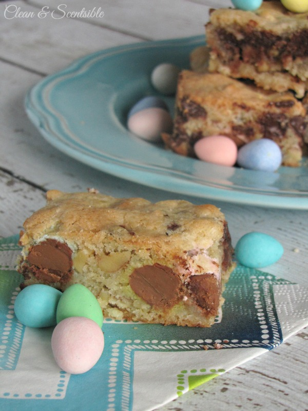 Mini-Egg Dessert Bars.