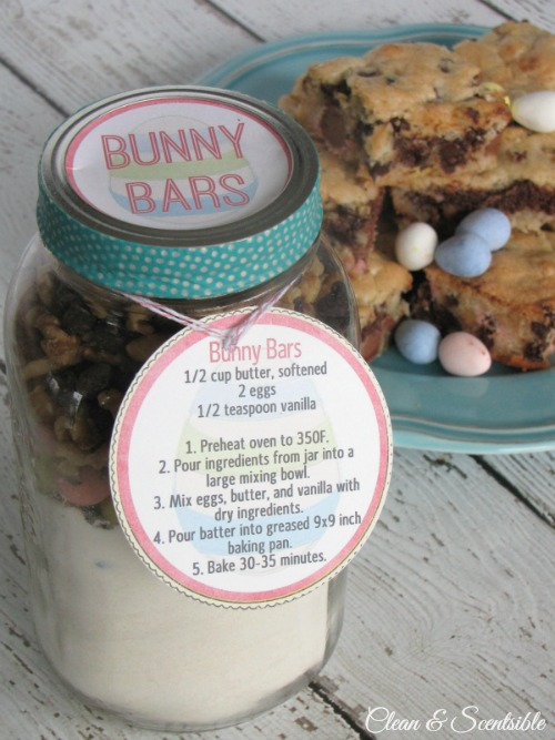 Mini Egg Dessert Bars.  Package up all of the ingredients for a cute Easter gift idea!  Free printables included.