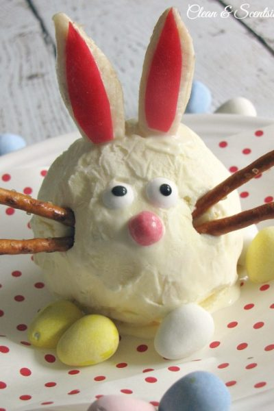 These Easter Bunny Sundaes are SO cute!!