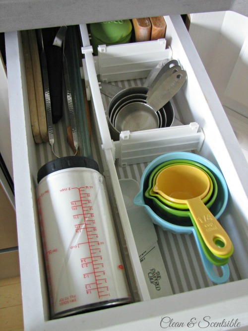 Great post on how to organize kitchen cabinets.  Lots of tips!