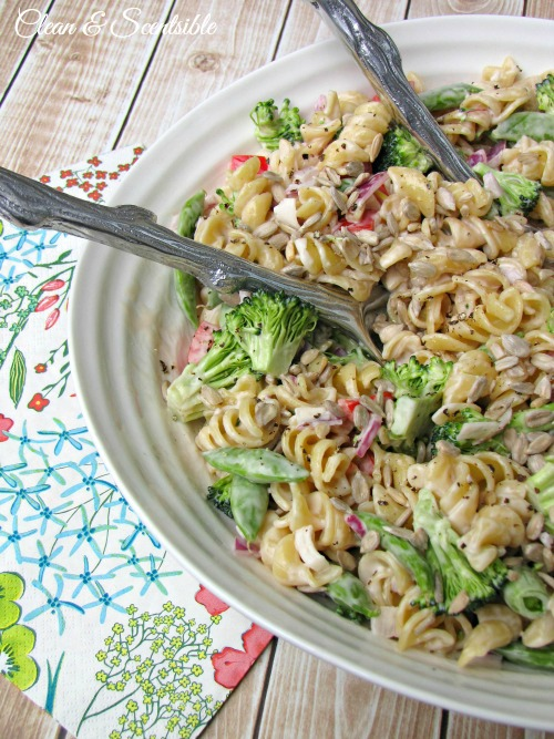 This fresh and flavorful vegetable pasta salad is perfect for summer BBQs! Delicious!