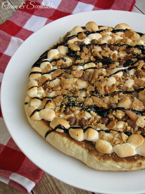 S'mores Pizza - Done on the grill and perfect for backyard campouts and summer parties!