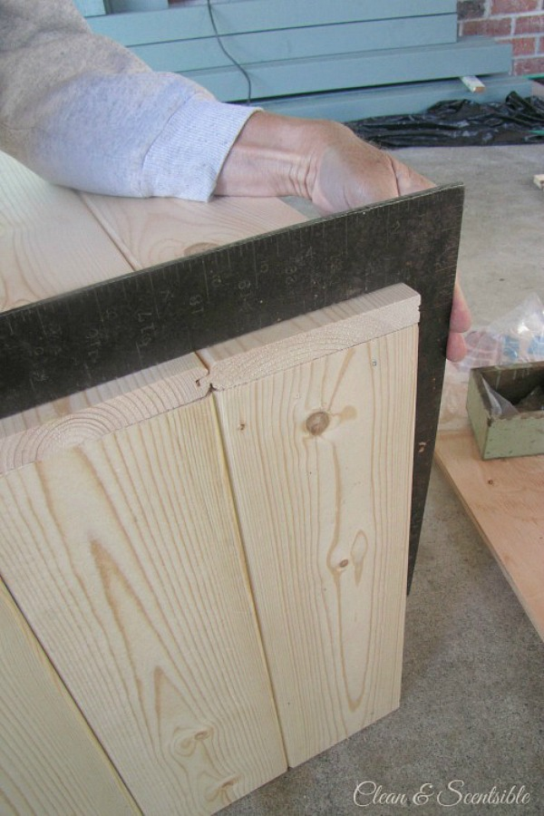 DIY Rustic Wooden Crate Tutorial.