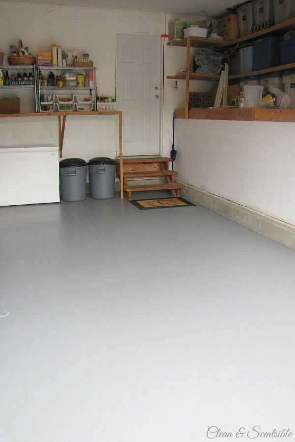 How to paint a garage floor clean and scentsible great tutorial on how to paint a garage floor i cant believe what solutioingenieria Choice Image
