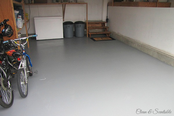 Great tutorial on how to paint a garage floor.  It makes such a difference! // cleanandscentsible.com