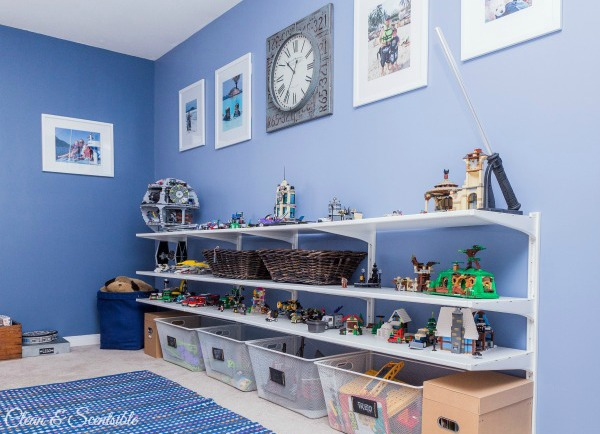 Lots of great ideas for organizing Legos! // cleanandscentsible.com