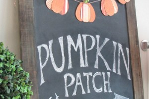 Fall chalkboard and cute pumpkin bunting! // cleanandscentsible.com