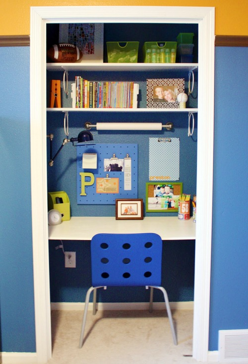 Lots of great ideas for creating a homework station in any sized space! // cleanandscentsible.com