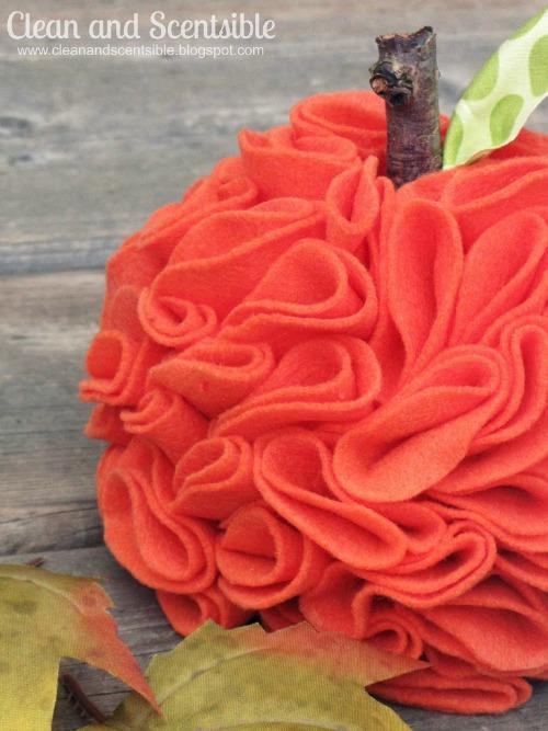 Ruffled felt pumpkin.  // cleanandscentsible.com