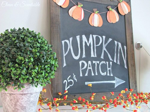 Fall chalkboard and cute mini pumpkin bunting. // cleanandscentsible.com