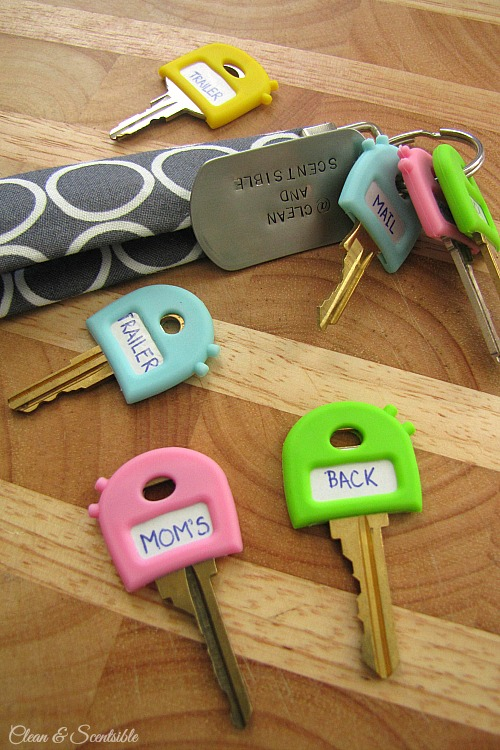 Great way to keep all of your keys organized!  So cute! // cleanandscentsible.com