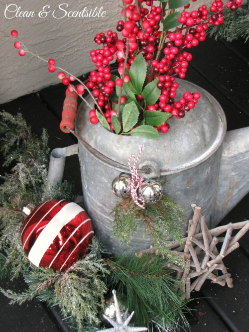 Christmas Porch Ideas. // cleanandscentsible.com