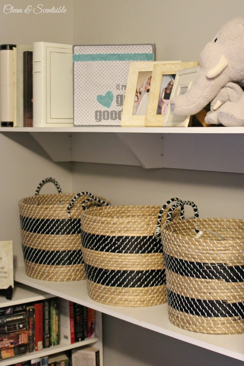 reat tips and tricks to create a functional and organized master closet! // cleanandscentsible.com