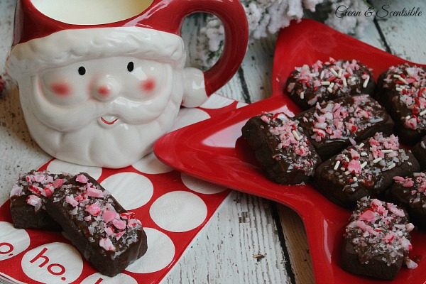 Chocolate Peppermint Shortbread Bites Featured on Design Dazzle