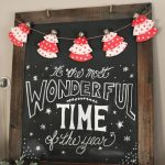 Christmas chalkboard and cute cupcake liner Christmas tree bunting. // cleanandscentsible.com