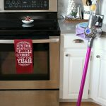 10 easy tips to keep your home clean and tidy throughout the busy holiday season!