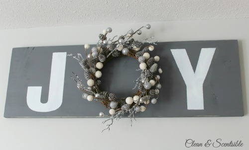 Simple but pretty Joy sign. // cleanandscentsible.com