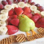 Cute turkey fruit platter! // cleanandscentsible.com