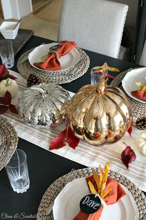 Beautiful Thanksgiving table setting ideas. // cleanandscentsible.com
