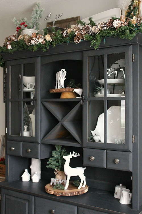 Christmas dining room clean and scentsible for Hutch decor