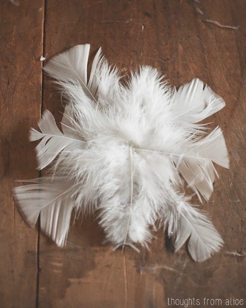 Feather Snowflake Ornaments.  These are SO beautiful!