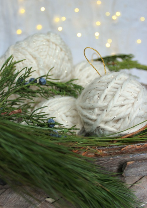 Easy and pretty yarn ball ornaments!