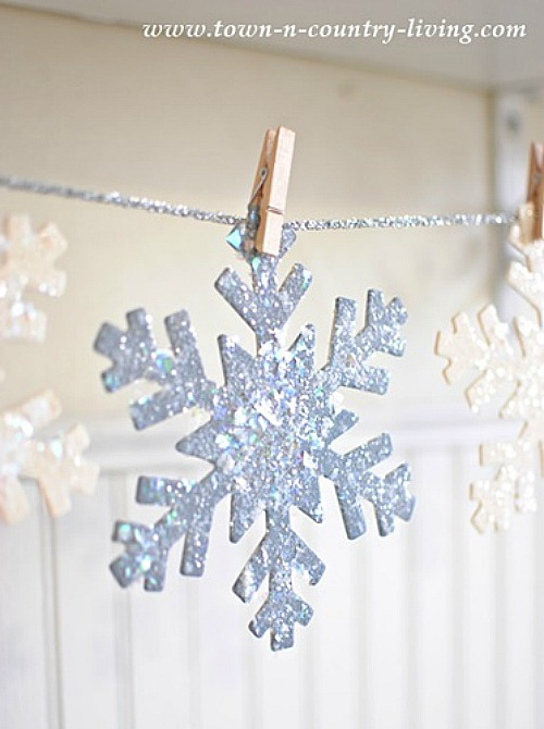 Glittered wooden snowflakes. So pretty and easy to do!