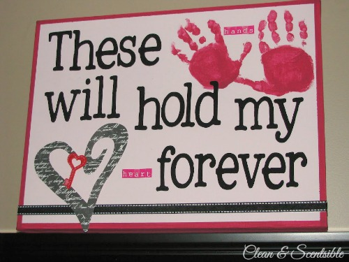 This handprint canvas is so sweet!  Perfect for Valentine's Day!