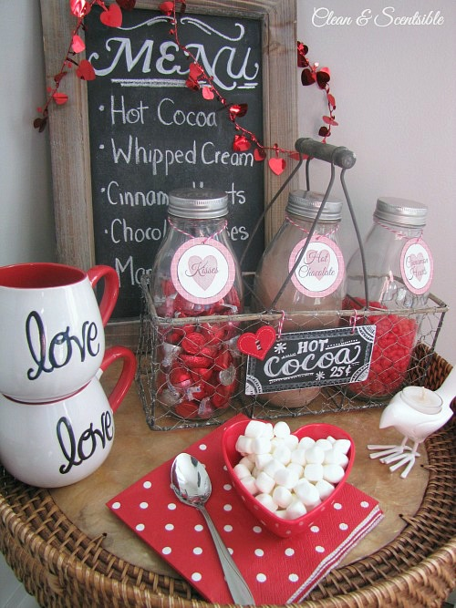 Love this cute Valentine's Day hot cocoa bar! // cleanandscentsible.com