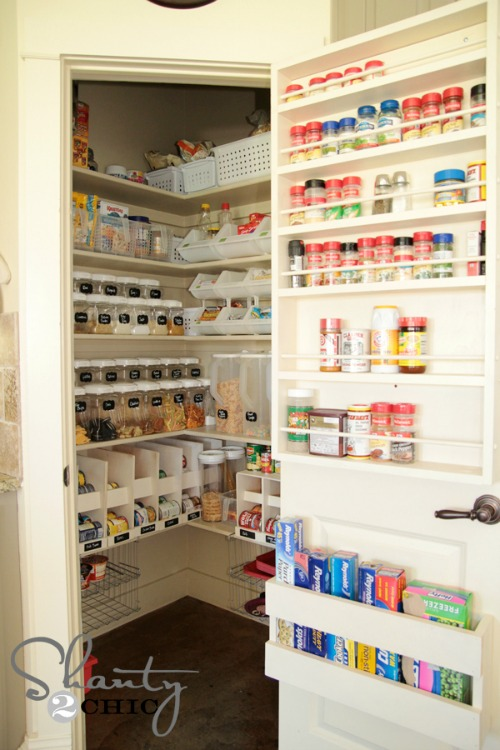 Pantry organization tips clean and scentsible for Organization ideas for kitchen pantry