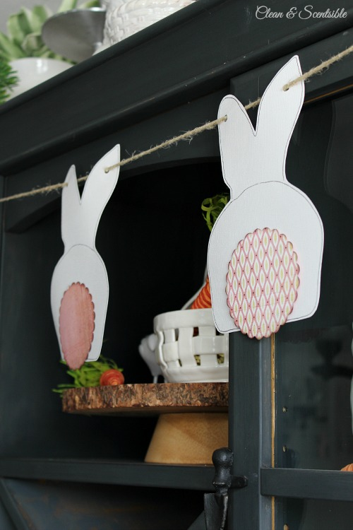 Adorable bunny bunting with free template! // cleanandscentsible.com