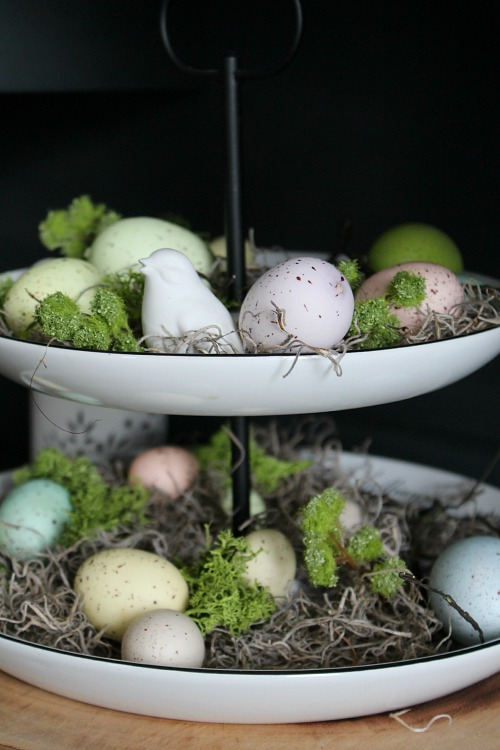Beautiful ideas to decorate your home for spring! // cleanandscentsible.com