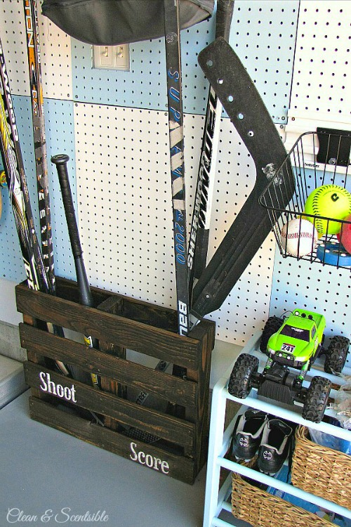 Turn an old pallet into a sports organizer!