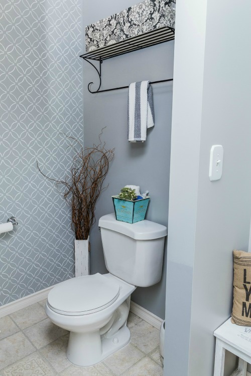 How to deep clean the bathroom clean and scentsible for How to keep a bathroom clean