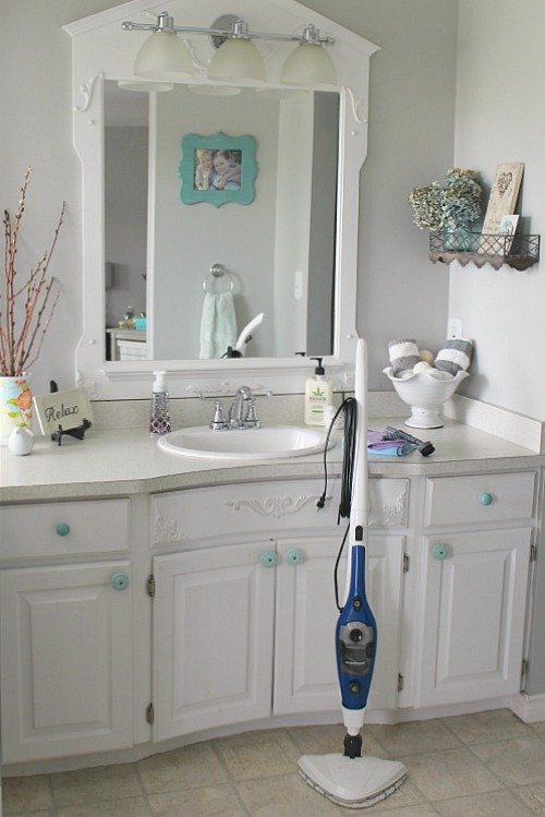 Beautiful How to deep clean the bathroom Great tips and a free printable to help keep