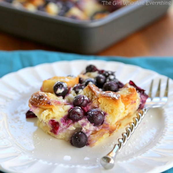 Blueberry Croissant puff and lots of other yummy breakfast ideas for Mother's Day.