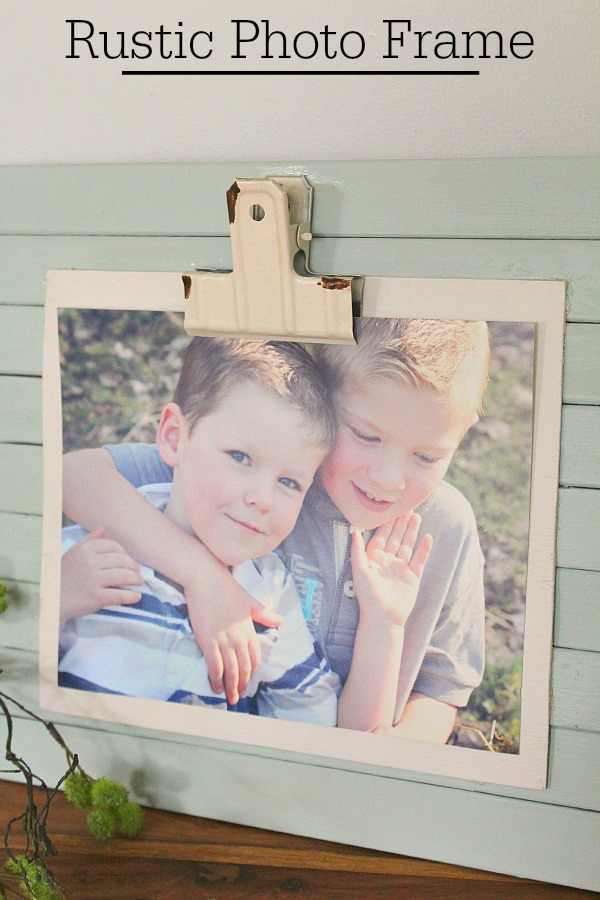 DIY Rustic Photo Frame - So easy and inexpensive to create!