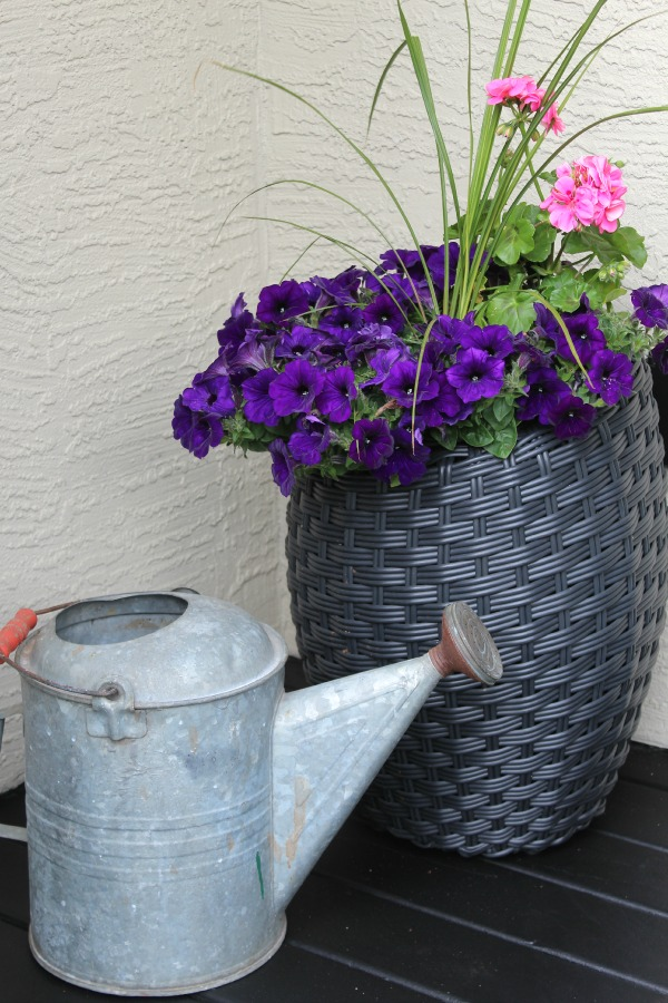 Beautiful front porch decorating ideas!