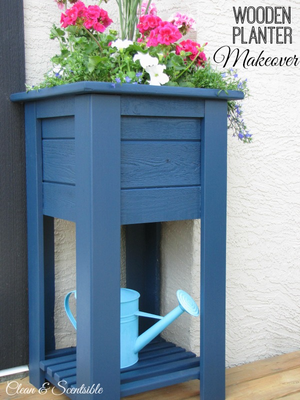 Wooden planter makeover - it is amazing what a little stain can do!