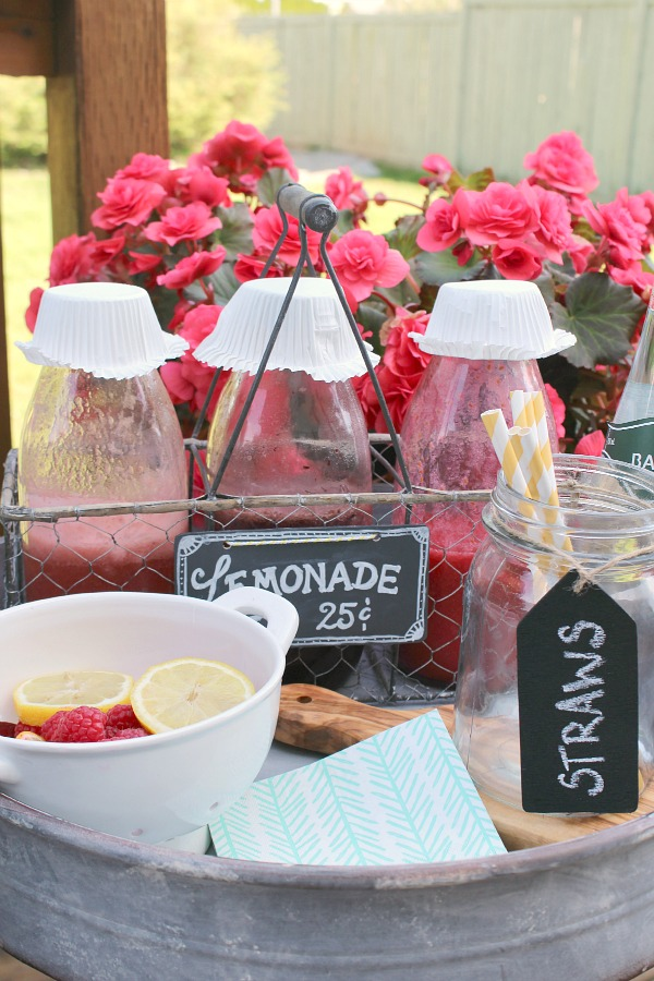 Such a cute idea for a flavored lemonade bar!