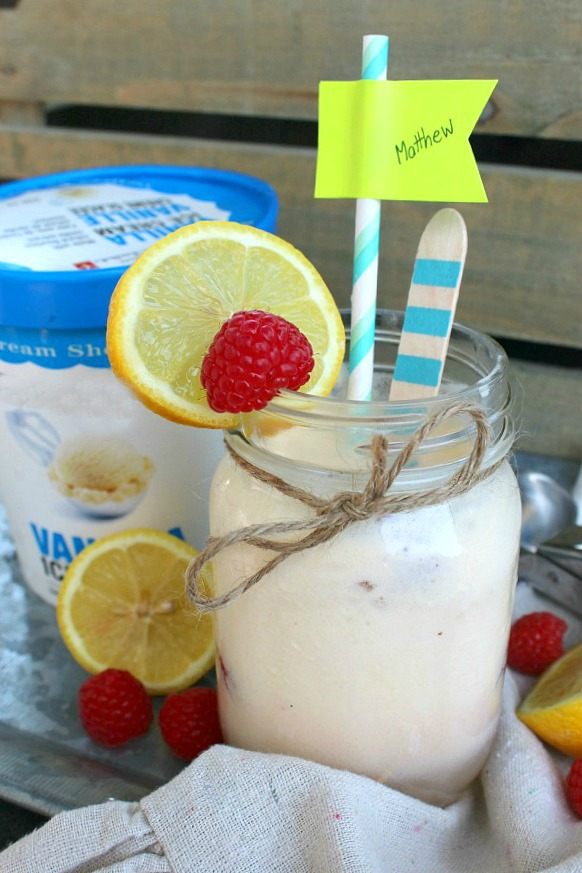 Lemonade Float - So good and easy to make. Great for ice cream parties or a cool summer treat!