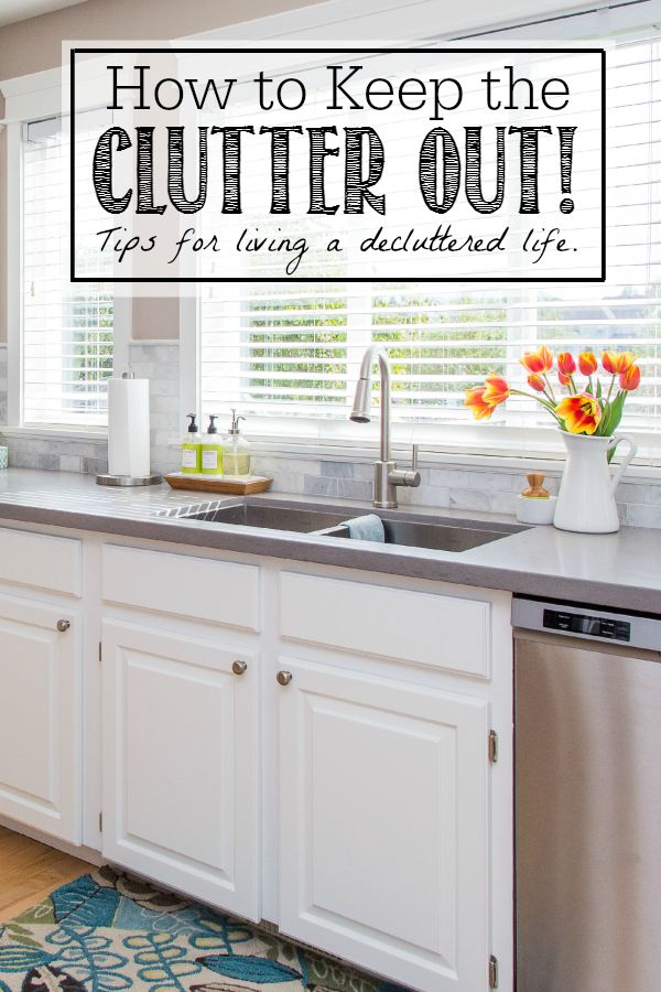 How to keep the clutter out. Decluttered kitchen counters.