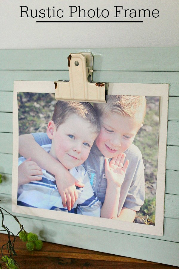 DIY rustic photo frame.