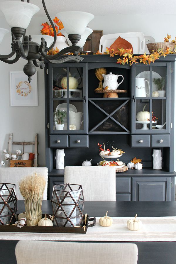 Beautiful fall home tour.  Tons of fall inspiration!