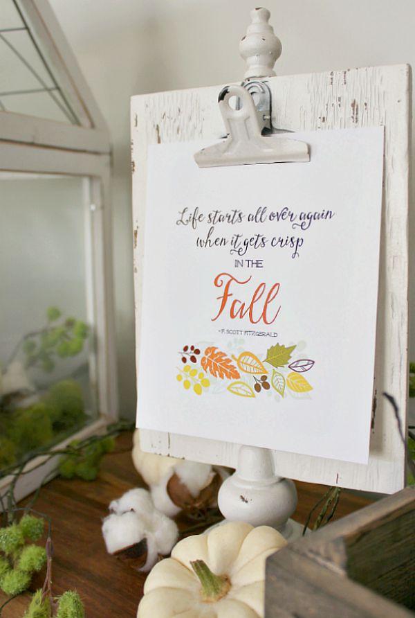 Free fall printable and fall decor ideas.